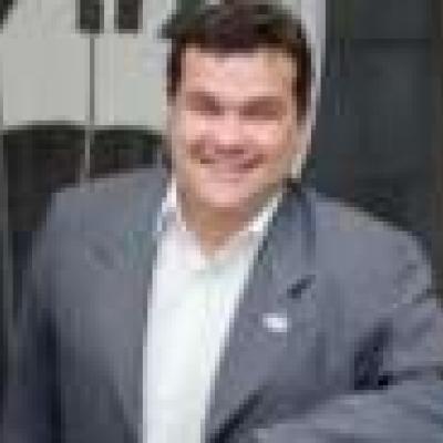 Franquia imobiliária tem investimento inicial de R$ 100 mil; conheça a Re/MAX