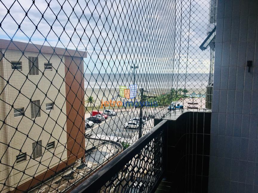 Apartamento Frente para o Mar 2 quartos e Sacada